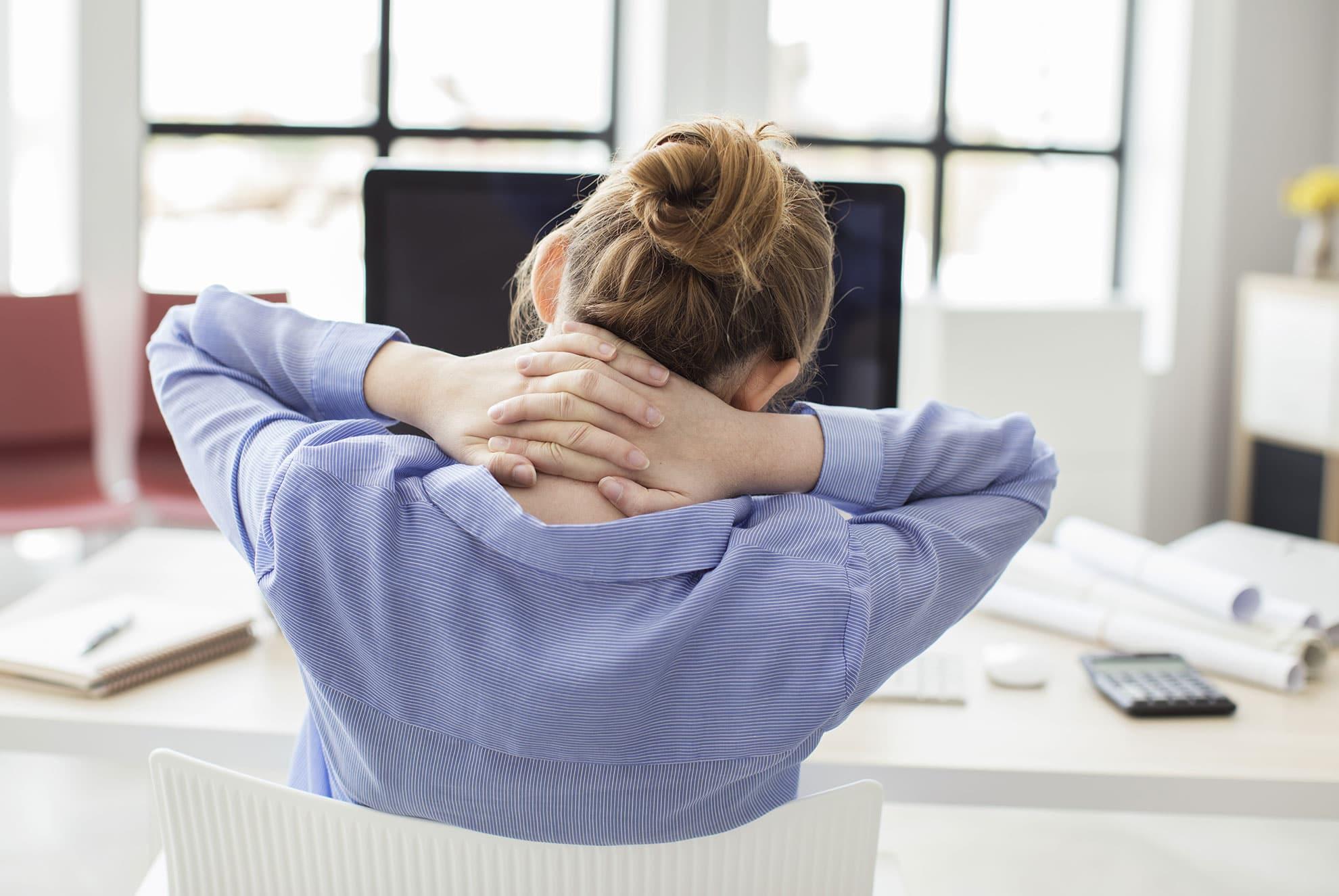 Was tun bei Nackenschmerzen und Verspannungen?